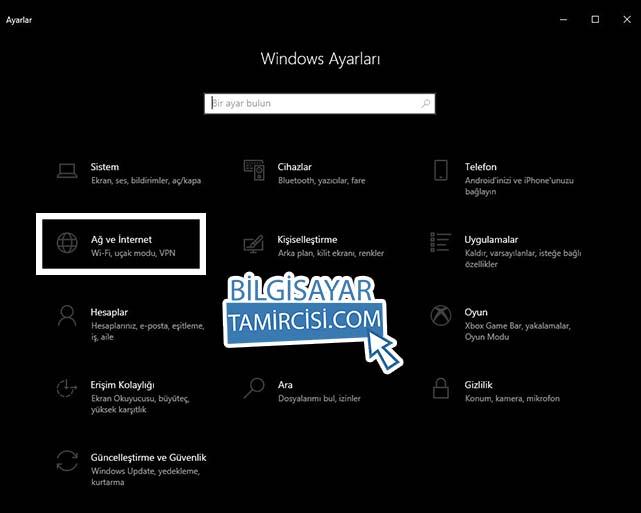 Windows 10 WiFi paylaşımı için ayarlar menüsünden Ağ ve İnternet ayarları bölümüne girerek Windows 10 Hotspot özelliğini açıyoruz.